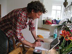 Tom Bohn wartet schon auf Einsendungen aus Österreich